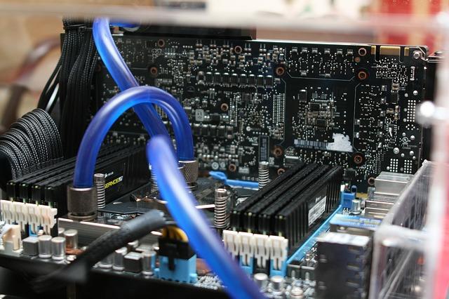 Adquieres una nueva placa base, un nuevo procesador, y nueva memoria RAM